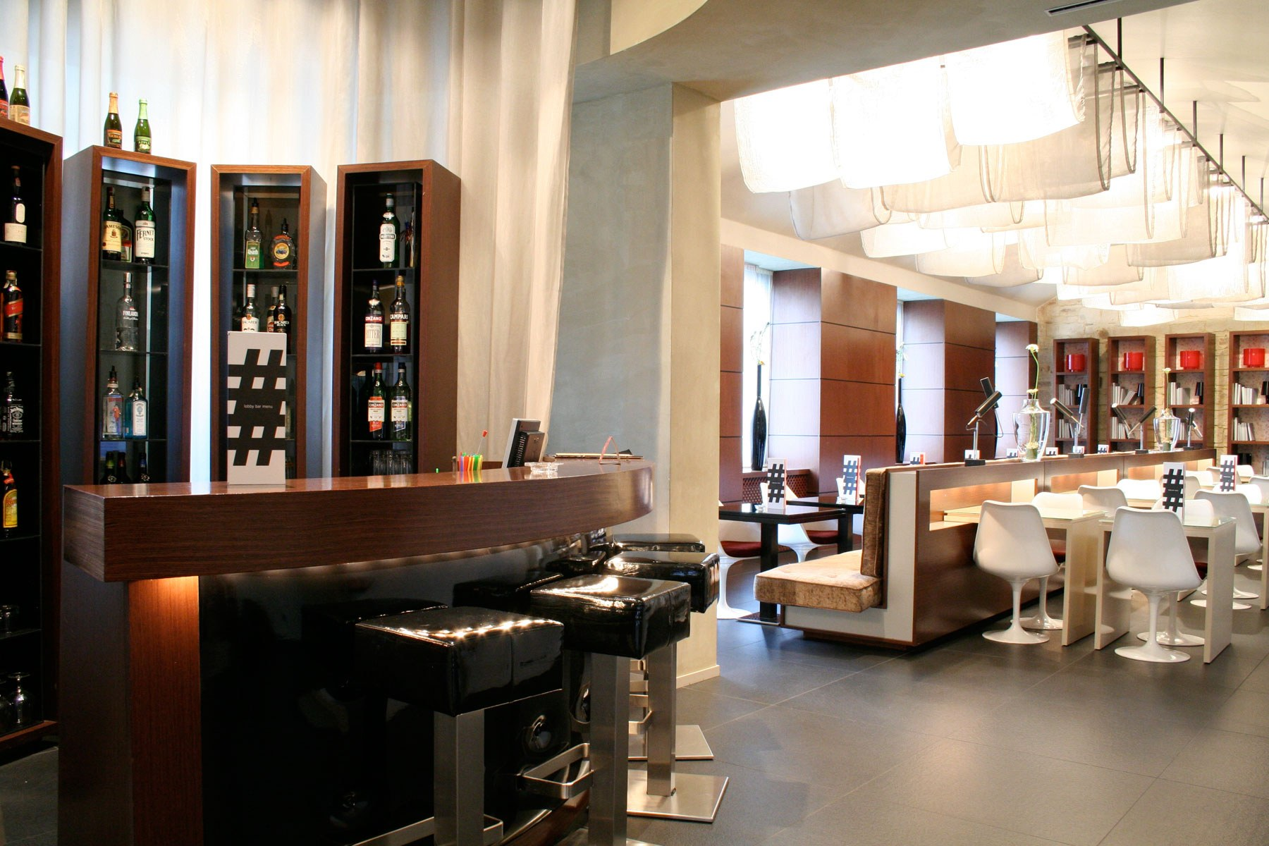Hotel in prague with free wi fi services in 987 prague hotel for Design hotel praha